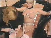 Dała się związać dla większego orgazmu