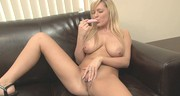 Naturalne piersi seksownej blondyny