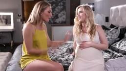 Ciężarna blondi lubi lesbijskie igraszki