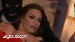 Francuska żona ruchana na trzy baty w dupę i usta