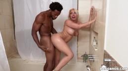Seks z mokrą blondynką