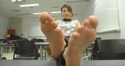 Azjatycka suczka ma fajne stópki