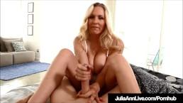 Erotyczna Julia Ann trzepie dużego penisa