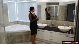 Ukryta kamera podczas sesji w łazience