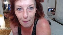 ruda mamuśka z gorącym biustem