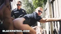 Rucha policjantki w godzinach pracy