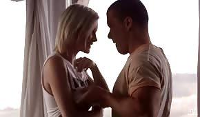 Zmysłowy seks ze zgrabną blondi