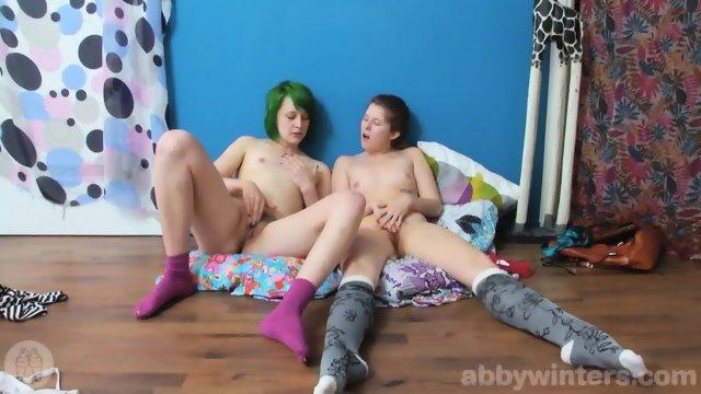 Dziewczyny w skarpetach