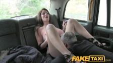 Super minetka w taksówce