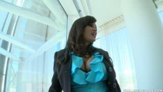 Lisa Ann jest podniecona swoją bielizną