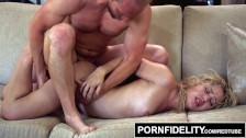 Ostro zapina laskę w ciekawej seks pozycji