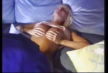 Anita Blonde lubi murzyńskie pały