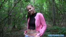 Agent wyłapał pannę i zabrał do lasu