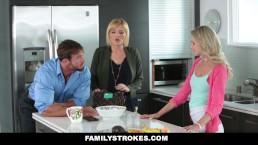Zabiera się za żonę i córkę w kuchni
