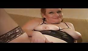 Tłusta dama lubi się odprężyć