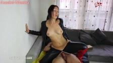 Słodka Annabel ujeżdża penisa