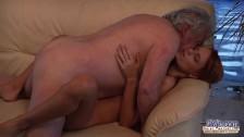 Dziadziuś zaliczył młodziutką gwiazdę porno