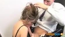 Posuwa Jenna Haze w łazience