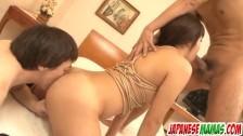 Shino Naka dostaje podwojną penetrację